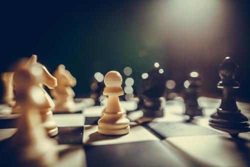 Estratégia num tabuleiro de xadrez - strategy in a chess board